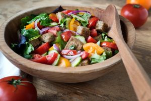 This salad with teff croutons is perfect for summer.